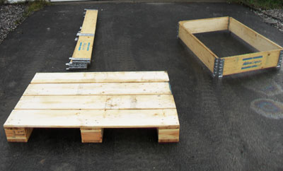 Pallet with collapsible collars